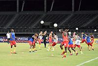 PEREIRA - COLOMBIA, 16-12-2020: xxx del Pereira y xxx del Bucaramanga durante partido por la semifinal de la Liguilla BetPlay DIMAYOR 2020 entre Deportivo Pereira y Atlético Bucaramanga jugado en el estadio Hernán Ramírez Villegas de la ciudad de Pereira. / xxx of Pereira and xxx of Bucaramanga during match for the semifinal as part of BetPlay DIMAYOR 2020 Liguilla between Deportivo Pereira and Atletico Bucaramanga played at the Hernan Ramirez Villegas stadium in Pereira city.  Photo: VizzorImage/ Pablo Bohorquez / Cont