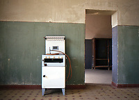 Desert miners town abandoned in 1954. Kitchen / cucina