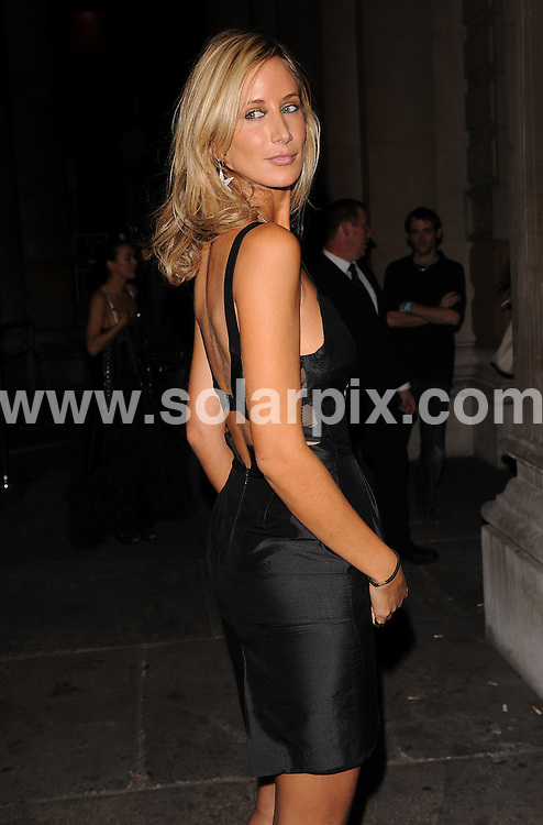 **ALL ROUND EXCLUSIVE PICTURES FROM SOLARPIX.COM**.**WORLDWIDE SYNDICATION RIGHTS**.Outside arrivals at the On_Off  Party, London Fashion Week's off-schedule designer initiative celebrating its 10th anniversary. The event also plays host to charity auction of exclusive beach huts designed by Guinness, Dixon and Geldof.  Held at the Royal Academy of Arts, London, UK.  Monday September 15, 2008...This pic: Victoria Hervey..JOB REF: 7352 SSD     DATE: 15_09_2008.**MUST CREDIT SOLARPIX.COM OR DOUBLE FEE WILL BE CHARGED* *UNDER NO CIRCUMSTANCES IS THIS IMAGE TO BE REPRODUCED FOR ANY ONLINE EDITION WITHOUT PRIOR PERMISSION*