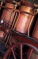 Europe/France/Midi-Pyrénées/46/Lot/Vallée du Céré/Bretenoux: Fabrication des eaux de vie de prunes de Nathalie Bergues distillatrice