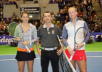 15-12-12, Rotterdam, Tennis Masters 2012, Finalists left Quirine Lemoins, umpire Sven Vermeulen and Kiki Bertens.