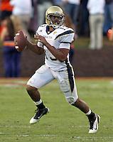 Oct. 15, 2011-Charlottesville, VA.-USA- Georgia Tech quarterback Tevin Washington (13) handles the ball during an ACC football game against the Virginia Cavaliers at Scott Stadium. Virginia won 24-21. (Credit Image: © Andrew Shurtleff/