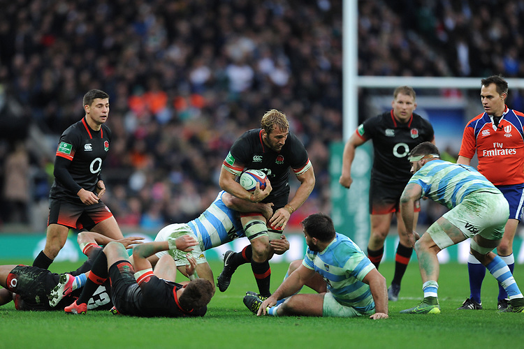 Chris Robshaw of England takes the ball forward during the Old Mutual Wealth Series match between England and Argentina at Twickenham Stadium on Saturday 11th November 2017 (Photo by Rob Munro/Stewart Communications)