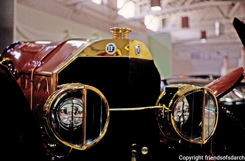 Classic Cars: 1914 Isotta-Fraschini, Grill and Headlights.