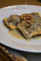 Europe/France/Aquitaine/33/Gironde/Pauillac: Ravioli au boudin noir sauce au fromage bleu recette d' Hugo Naon chef du Restaurant  Café Lavinal au hameau de Bages