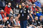 Magdeburgs Trainer Bennet Wiegert  beim Spiel in der Handball Bundesliga, Die Eulen Ludwigshafen - SC Magdeburg.<br /> <br /> Foto © PIX-Sportfotos *** Foto ist honorarpflichtig! *** Auf Anfrage in hoeherer Qualitaet/Aufloesung. Belegexemplar erbeten. Veroeffentlichung ausschliesslich fuer journalistisch-publizistische Zwecke. For editorial use only.