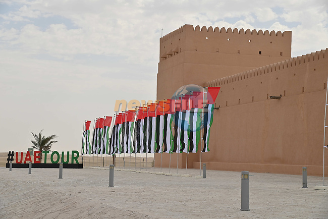Al Dhafra Castle sign on before the start of Stage 1 of the 2021 UAE Tour the ADNOC Stage running 176km from Al Dhafra Castle to Al Mirfa, Abu Dhabi, UAE. 21st February 2021.  <br /> Picture: LaPresse/Gian Mattia D'Alberto | Cyclefile<br /> <br /> All photos usage must carry mandatory copyright credit (© Cyclefile | LaPresse/Gian Mattia D'Alberto)