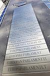 Belgium, Province Brabant, Brussels: Multi-lingual sign of the European Parliament | Belgien, Provinz Brabant, Bruessel: Europaeisches Parlament in den Sprachen der Mitgliedslaender