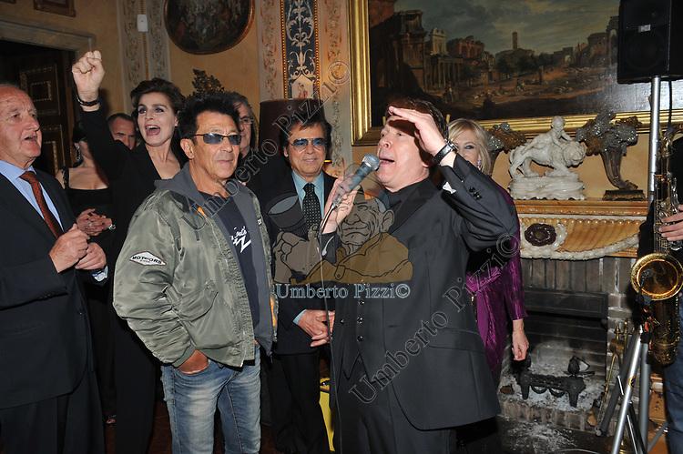 ANTONIA DELL'ATTE, EDOARDO BENNATO, LITTLE TONY, PUPO<br /> E SANDRA CARRARO<br /> FESTA DEGLI 80 ANNI DI MARTA MARZOTTO<br /> CASA CARRARO ROMA 2011