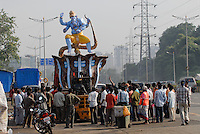 "Asien Suedasien Indien Megacity Mumbai Bombay , Herstellung von Goetterfiguren des elefantenkoepfigen Hindugott Ganesh fuer das Festival Ganesh Chaturthi - Religion Hinduismus xagndaz | .South asia India Mumbai Bombay - craftmen make Ganesh idol for the Hindu festival Ganesh Chathurti - religion hinduism .| [ copyright (c) Joerg Boethling / agenda , Veroeffentlichung nur gegen Honorar und Belegexemplar an / publication only with royalties and copy to:  agenda PG   Rothestr. 66   Germany D-22765 Hamburg   ph. ++49 40 391 907 14   e-mail: boethling@agenda-fototext.de   www.agenda-fototext.de   Bank: Hamburger Sparkasse  BLZ 200 505 50  Kto. 1281 120 178   IBAN: DE96 2005 0550 1281 1201 78   BIC: ""HASPDEHH"" ,  WEITERE MOTIVE ZU DIESEM THEMA SIND VORHANDEN!! MORE PICTURES ON THIS SUBJECT AVAILABLE!!  ] [#0,26,121#]"