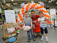 Justin Tipuric (C) with Lee Jay, 6 (L) and his brother Lewis 5 (R)