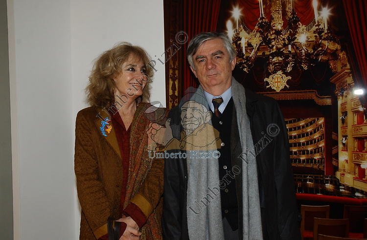"""L'AMBASCIATORE YVES AUBIN DE LA MESSUZIERE<br /> VERNISSAGE """"ROMA 2006 10 ARTISTI DELLA GALLERIA FOTOGRAFIA ITALIANA"""" AUDITORIUM DELLA CONCILIAZIONE ROMA 2006"""