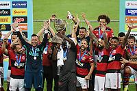 Rio de Janeiro (RJ), 24/04/2021 - Flamengo-Volta Redonda - Jogadores do Flamengo comemora o titulo,durante partida contra o Volta Redonda,válida pela 11ª rodada da Taça Guanabara,realizada no Estádio Jornalista Mário Filho (Maracanã), na zona norte do Rio de Janeiro, neste sábado (24).