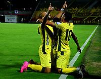 BUCARAMANGA - COLOMBIA, 24–02-2021: Jugadores de Atletico Bucaramanga, celebran el gol anotado al Atletico Nacional durante partido entre Atletico Bucaramanga y Atletico Nacional de la fecha 9 por la Liga BetPlay DIMAYOR I 2021, jugado en el estadio Alfonso Lopez de la ciudad de Bucaramanga. / Players of Atletico Bucaramanga, celebrate a scored goal to Atletico Nacional during a match between Atletico Bucaramanga and Atletico Nacional of the 9th date for the BetPlay DIMAYOR I 2021 League at the Alfonso Lopez stadium in Bucaramanga city. / Photo: VizzorImage / Jaime Moreno / Cont.