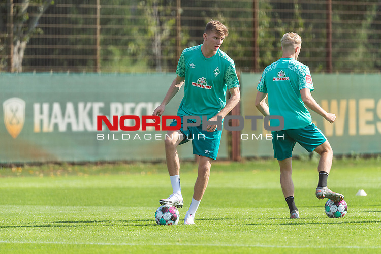 15.09.2020, Trainingsgelaende am wohninvest WESERSTADION - Platz 12, Bremen, GER, 1.FBL, Werder Bremen Training<br /> <br /> <br /> Nick Woltemade (werder Bremen #41)<br /> Julian Rieckmann (Werder Bremen II #33)<br /> Querformat<br />  ,Ball am Fuss, <br /> <br /> <br /> Foto © nordphoto / Kokenge