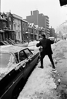Neige et pluie verglacante, Novembre 1972 (date exacte inconnue)<br /> <br /> PHOTO : Agence Quebec Presse -  Alain Renaud