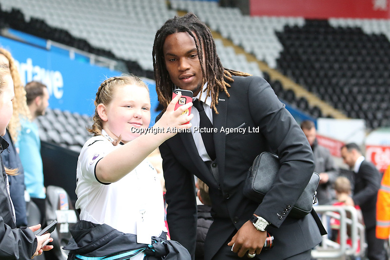 Renato Sanches of Swansea City prior to kick off of the Premier League match between Swansea City and Leicester City at The Liberty Stadium, Swansea, Wales, UK. Saturday 21 October 2017