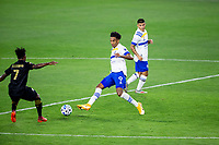 LOS ANGELES, CA - SEPTEMBER 02: Danny Hoesen of the San Jose Earthquakes passes off the ball during a game between San Jose Earthquakes and Los Angeles FC at Banc of California stadium on September 02, 2020 in Los Angeles, California.