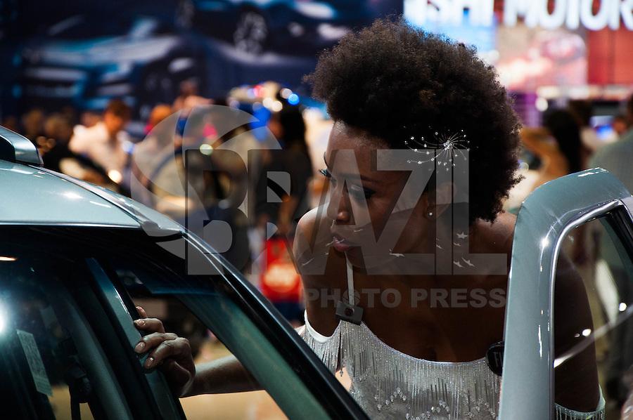 SÃO PAULO-SP-30,10,2014- SALÃO INTERNACIONAL DO AUTOMÓVEL- Movimentação no primeiro dia com publico na 28º Salão Internacional do Automovel no Anhembi na região norte da cidade de São Paulo,na tarde dessa quinta-feira,30 (Foto:Kevin David/Brazil Photo Press)