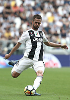 Calcio, Serie A: Juventus - Hellas Verona, Torino, Allianz Stadium, 19 maggio, 2018.<br /> Juventus' Miralem Pjanic in action during the Italian Serie A football match between Juventus and Hellas Verona at Torino's Allianz stadium, 19 May, 2018.<br /> Juventus won their 34th Serie A title (scudetto) and seventh in succession.<br /> UPDATE IMAGES PRESS/Isabella Bonotto