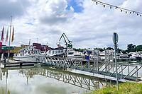 Yachthafen in Gernsheim am Rhein - Suedhessen 15.07.2021: Hochwasser am Rhein des sueshessischen Ried