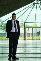 Data: /03/2010<br /> Belém, Pará, Brasil.<br /> Entrevista com Maurílio Monteiro. secretário de estado do governo do Pará, a frente da SEDECT - Secretaria de Desenvolvimento, Ciência e Tecnologia é fotografado em seu gabinete e em frente ao Parque de Ciência e Tecnologia Guama.<br /> Personagem: Maurílio Monteiro<br /> Fotos: Paulo Santos/