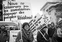 - Manifestazioni di protesta contro il World Economic Forum di Davos (Svizzera, Gennaio 2000)<br /> <br /> - Protests against the World Economic Forum in Davos (Switzerland, January 2000)