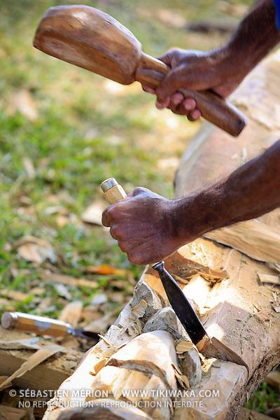 Sculpteur kanak, Nouvelle-Calédonie