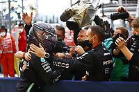 26th September 2021; Sochi, Russia; F1 Grand Prix of Russia, Race Day:  F1 Grand Prix of Russia 44 Lewis Hamilton GBR, Mercedes-AMG Petronas F1 Team celebrates the win with his mechanics