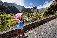 Cape Verde, Santo Ant?o, Barlavento islands, Ilhas do Barlavento, Schoolgirls in the Valley of Ribeira do Paul near Vila das Pombas