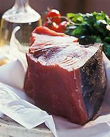 Gastronomie générale: Morceau de Thon rouge