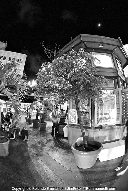 Por las calles del Viejo San Juan… #streetphotography #fotografiacallejera #sanjuan #viejosanjuan #remmanuelli <br /> http://www.remmanuelli.com<br /> <br /> Original photographs of magnificent places, people, nature and landmarks from Puerto Rico. The images are available for download or printing at http://www.remmanuelli.com. Rolando Emmanuelli-Jiménez is a Puerto Rican attorney and photographer who specializes in Puerto Rican scenery, culture and people. He has been practicing this art since childhood and has won contest prizes and recognition for his art. Images are usually printed and shipped within 2 business days, less if expedited shipping is chosen. You will be notified via email when the order has shipped including a tracking number if already available.