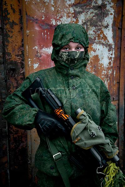 Tanya, Scharfschuetzin der pro-russischen Separatisten, Portrait, Donezk, Ukraine, 10.2014,  SniperTanya, 19-years old girl, with her rifle decorated with the St. Georg strip, the symbol of the pro-Russian separatists. ***HIGHRES AUF ANFRAGE*** ***VOE NUR NACH RUECKSPRACHE***