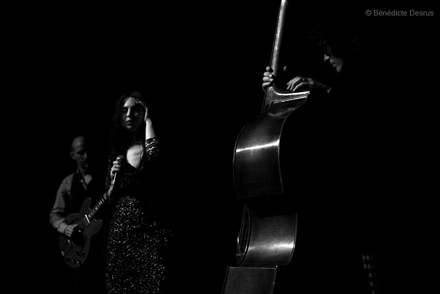 December 23, 2006 - New York, United States - Jennifer Charles and Oren Bloedow of Elysian Fields during a concert at the Joe's Pub in New York.