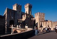 Italien, Lombardei, Skaliger-Burg in Sirmione