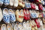 Netherlands, North Holland, Amsterdam: Wooden Dutch clogs in souvenir shop | Niederlande, Nordholland, Amsterdam: Clogs, Holzschuhe als Souvenirs