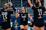 18.10.2020, Sporthalle Berg Fidel, Muenster<br /> Volleyball, Bundesliga Frauen, Normalrunde, USC Münster / Muenster vs. Rote Raben Vilsbiburg<br /> <br /> Jubel Jodie Guilliams (#15 Vilsbiburg), Lena Möllers / Moellers (#5 Vilsbiburg), Kayla Haneline (#13 Vilsbiburg)<br /> <br />   Foto © nordphoto / Kurth