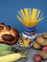 JA03-039x  Food - carbohydrates - bread, potato, pasta, corn