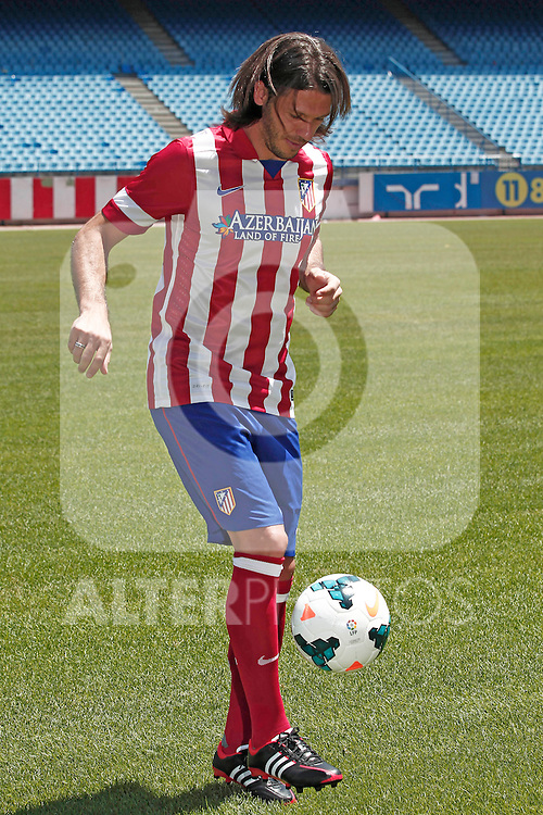Atletico de Madrid's new player Martín Gastón Demichelis during his official presentation at the Santiago Bernabeu stadium in Madrid. July 12, 2013. (ALTERPHOTOS/James Cole)