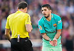Luis Suarez of FC Barcelona argues with referee Antonio Mateu Lahoz during their La Liga match between Atletico de Madrid and FC Barcelona at the Santiago Bernabeu Stadium on 26 February 2017 in Madrid, Spain. Photo by Diego Gonzalez Souto / Power Sport Images