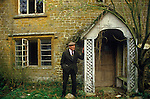Great Tew Oxfordshire 1980s. Oscar Hemmings a gardener on the estate at Lower Grove Ash Farm where he lived and grew up.