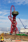 Grossbritannien, England, East London, Stratford: The Orbit Tower im Olympia-Park designed von Anish Kapoor fuer die Olympischen Spiele 2012 | United Kingdom, East London, Stratford: The Orbit Tower in the Olympic Park, designed by Anish Kapoor for the London 2012 Olympics