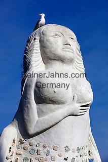 Denmark, Jutland, Sæby: The Lady from the Sea statue, based on a Henrik Ibsen play, in the harbour | Daenemark, Juetland, Sæby: Statue 'Die Frau vom Meer' (Fruen fra havet) nach einem Schauspiel von Henrik Ibsen