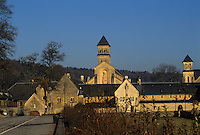 Europe/Belgique/Wallonie/Province du Luxembourg/Orval : L'Abbaye fondée en 1070 par des bénédictins venus de Calabre (Italie)