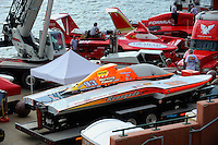 GP-93 and the Formula boats (U-7 & U-5) in the Evansville pits.