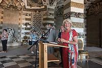 Die Stiftung Preussische Schloesser und Gaerten Berlin-Brandenburg (SPSG) hat die im Mai 2013 begonnene Restaurierung der Decke des Grottensaals im Neuen Palais von Schloss Sanssouci abgeschlossen. Damit ist einer der beiden zentralen Festsaele des Hauses vom 22. Juli 2015 an wieder in den Rundgang durch das Gaesteschloss Friedrichs des Grossen (1712-1786) integriert und fuer die Oeffentlichkeit zugaenglich.<br /> Moeglich geworden sind die umfassenden Instandsetzungsarbeiten im Grottensaal durch das Sonderinvestitionsprogramm fuer die preussischen Schloesser und Gaerten (Masterplan), das die Beauftragte der Bundesregierung fuer Kultur und Medien sowie die Laender Brandenburg (Ministerium fuer Wissenschaft, Forschung und Kultur) und Berlin (Senatskanzlei – Kulturelle Angelegenheiten) zur Rettung bedeutender Denkmaeler der Berliner und Potsdamer Schloesserlandschaft aufgelegt haben.<br /> Am Dienstag den 21. Juli 2015 wurde der Grottenssal durch Prof. Dr. Hartmut Dorgerloh, Generaldirektor, SPSG; Prof. Monika Gruetters MdB, Staatsministerin fuer Kultur und Medien und Martin Gorholt, Staatssekretaer, Ministerium fuer Wissenschaft, Forschung und Kultur des Landes Brandenburgs der Presse gezeigt.<br /> Im Bild: Prof. Monika Gruetters MdB, Staatsministerin fuer Kultur und Medien.<br /> 21.7.2015, Postdam<br /> Copyright: Christian-Ditsch.de<br /> [Inhaltsveraendernde Manipulation des Fotos nur nach ausdruecklicher Genehmigung des Fotografen. Vereinbarungen ueber Abtretung von Persoenlichkeitsrechten/Model Release der abgebildeten Person/Personen liegen nicht vor. NO MODEL RELEASE! Nur fuer Redaktionelle Zwecke. Don't publish without copyright Christian-Ditsch.de, Veroeffentlichung nur mit Fotografennennung, sowie gegen Honorar, MwSt. und Beleg. Konto: I N G - D i B a, IBAN DE58500105175400192269, BIC INGDDEFFXXX, Kontakt: post@christian-ditsch.de<br /> Bei der Bearbeitung der Dateiinformationen darf die Urheberkennzeichnung in den EXIF- und  IPTC-Daten nicht entfernt wer