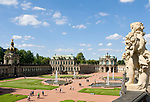Deutschland, Freistaat Sachsen, Dresden: Zwinger, barockes Bauwerk, Kronentor und Wallpavillon | Germany, the Free State of Saxony, Dresden: Zwinger Palace, baroque building, Crown Gate and Wall Pavilion