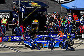 #78: Martin Truex Jr., Furniture Row Racing, Toyota Camry Auto-Owners Insurance makes a pit stop, Sunoco