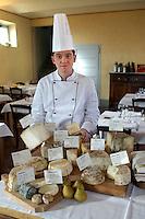 - restaurant of holiday farm Cascina del Cornale, typical cheeses....- ristorante dell'agriturismo Cascina del Cornale, formaggi tipici