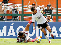 SÃO PAULO, SP,25 JANEIRO 2012 - COPA SAO PAULO DE FUTEBOL JUNIOR 2012 - <br /> Lancer durante partida entre as equipes do Corinthians x Fluminense realizada no Estádio Paulo Machado de Carvalho (SP), válido pela final da Copa São Paulo de Futebol Junior 2012, na manhã desta  quarta feira (25). (FOTO: ALE VIANNA - NEWS FREE).